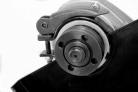 Elektrická úhlová bruska HECHT 1309 - kryt kotouče s rychloupínáním