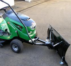 Shrnovací radlice k zahradnímu traktoru VARES Standard 1,18m