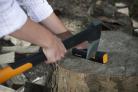 Ostřič FISKARS Xsharp 1000601 je přizpůsobený pro broušení nožů a seker