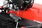 Motorový provzdušňovač trávníku HECHT 5675 - detail madla startéru
