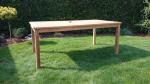 Zahradní stůl TEXIM 180 x 100 cm je opatřen otvorem na slunečník včetně záslepky