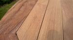 Zahradní skládací stůl TEXIM Faisal - detail teakového dřeva
