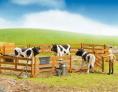 Krávy BRUDER 02307 v ohradě