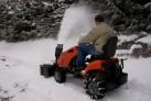 Sněhové řetězy k zahradnímu traktoru vám usnadní zimní údržbu